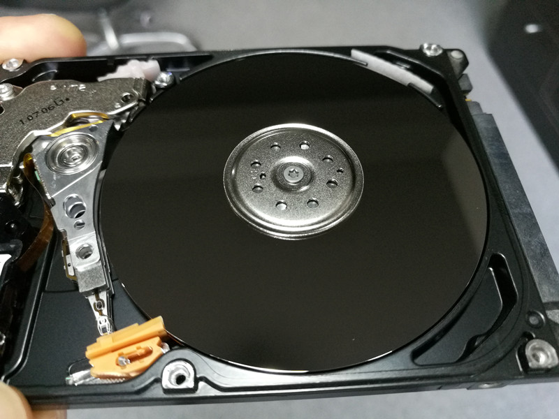 Hard Drive Platter Cleaning Video Training Dolphin Data Lab